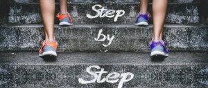 Lépésenként